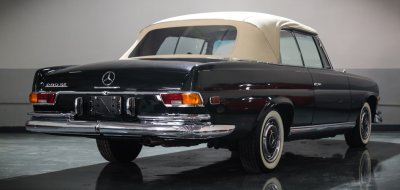 Mercedes Benz 280SE 1969 rear right view