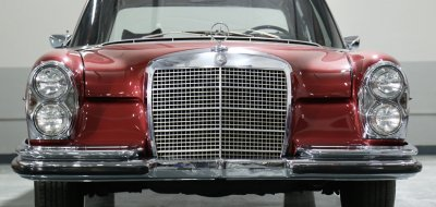 Mercedes Benz 280SEL 1972 front view