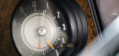 Oldsmobile Cutlass Supreme 1970 clock