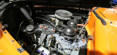 Packard Clipper 1946 engine