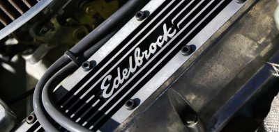 Plymouth Barracuda 1973 - Edelbrock