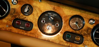 Rolls Royce Corniche 1973 gauges