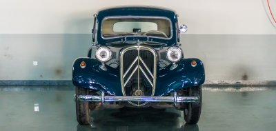 Citroen Traction Avant 1950 front view