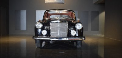 Front view of Mercedes Benz 190 1960