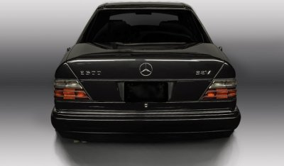 Mercedes Benz E500 1994 rear view
